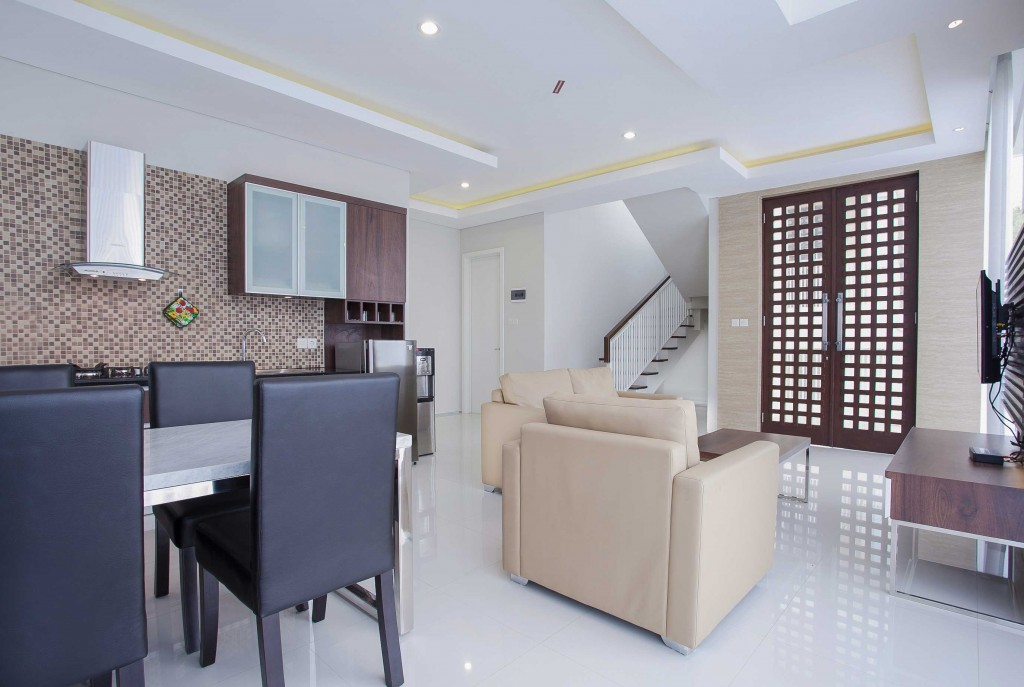 Kitchen and Dining Room Type Adjar Villa Azcarya Batu